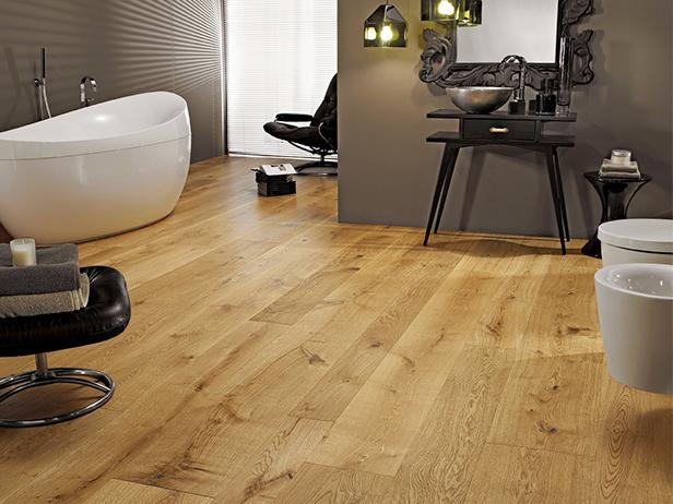 sol-et-style-projet-categorie-maisons-style-classique-parquet-bois-clair-salle-de-bain-design