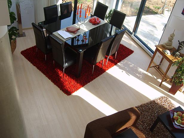 sol-et-style-projet-categorie-maisons-style-exotique-salle-manger-tapis-lumineux