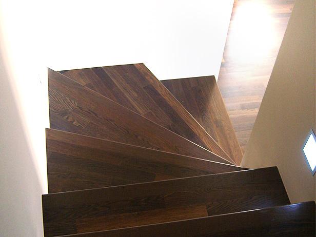 sol-et-style-projet-categorie-autres-services-escaliers-coin-tournant