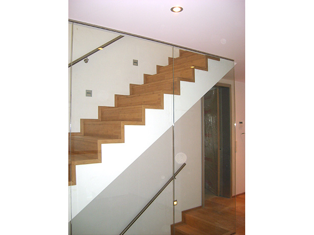 sol-et-style-projet-categorie-autres-services-escaliers-lampe-mur-vitre