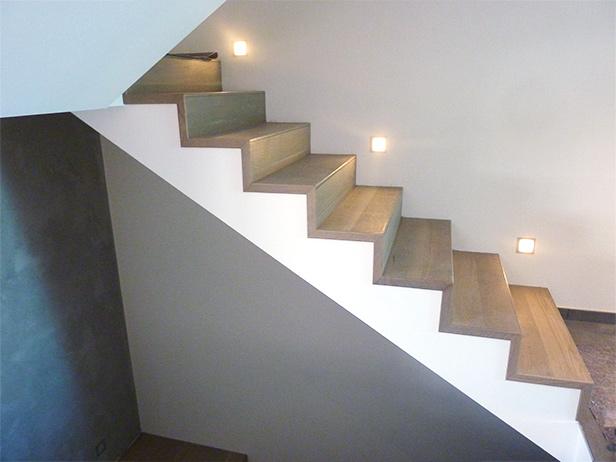 sol-et-style-projet-categorie-autres-services-escaliers-lampe-mur