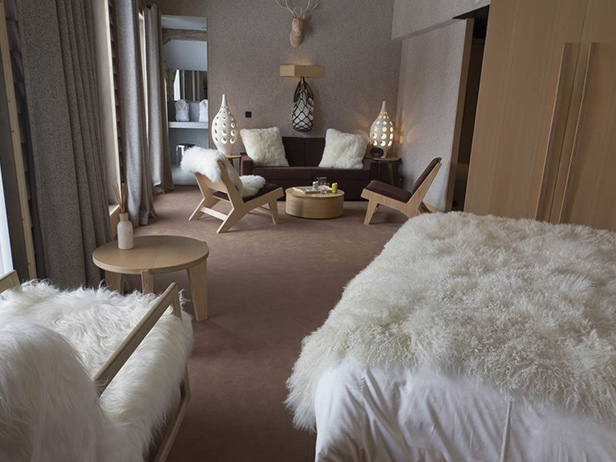 Moquette pour chambre moquette personnalis e et sur mesure befloor expert en sols for Moquette rouge salon