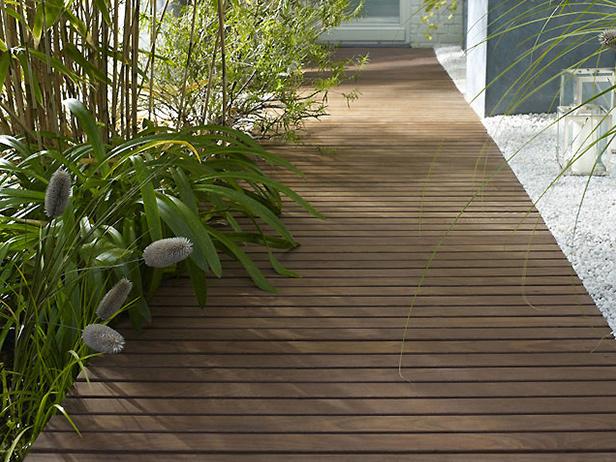 sol-et-style-projet-categorie-espaces-exterieurs-parcs-jardins-parquet-chemin-plantes