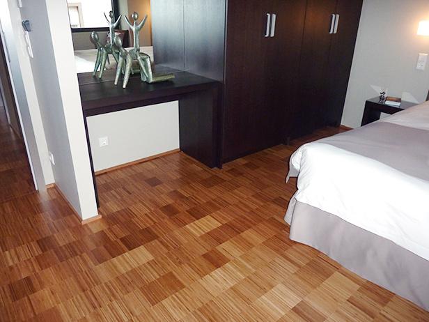 sol-et-style-projet-categorie-espaces-publics-hotel-chambre-lit-blanc