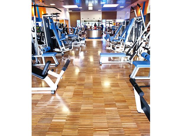 sol-et-style-projet-categorie-espaces-publics-salle-sport-machines-musculation