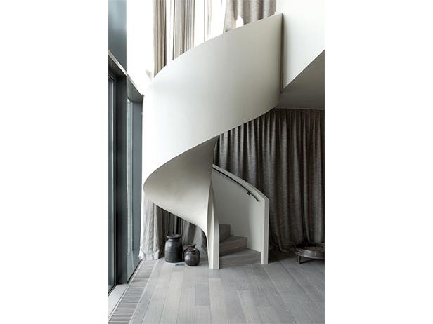 sol-et-style-projet-categorie-maisons-style-design-escaliers-escargot