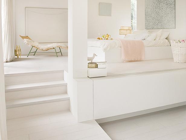 sol-et-style-projet-categorie-autres-services-escaliers-chambre-blanche